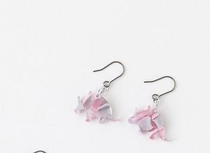 ★恐竜ピアス★トリケラトプス~PINK【メガネ産地福井~メガネ素材で作ったアクセサリー】