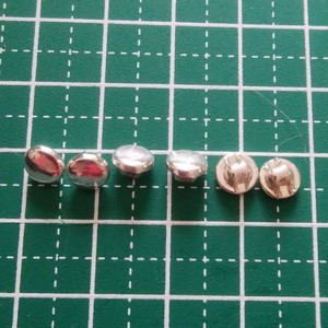 6mm ドール用ボタン 足つき シルバー 6ケ