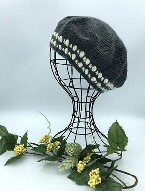 手編みベレー帽(グレー&オフホワイト)