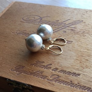 【pebble Ammi】Vintage big paper pearl フレンチフックピアス