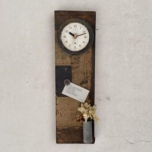 Clock739