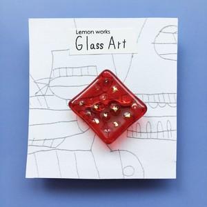 グラスアートれもんのガラスブローチ <NO.10…ダイヤ/レッド>