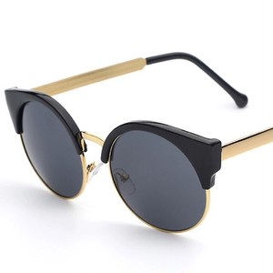 [夏にぴったり]おしゃれサングラス 2カラー