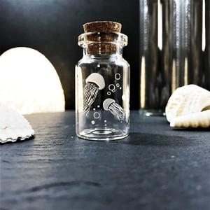 小さなコルク瓶|クラゲ