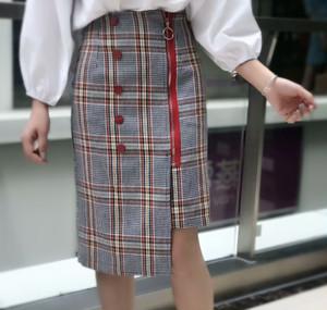 チェックアシンメトリースカート