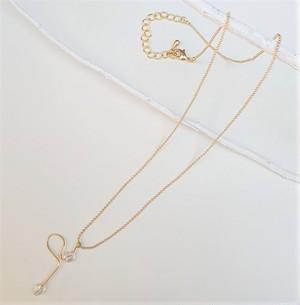 クリスタル綿毛のネックレス
