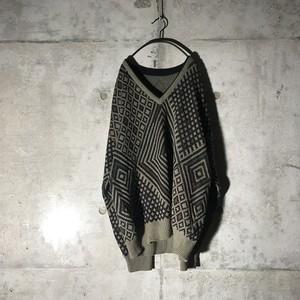 [used] gorgeous designed knit