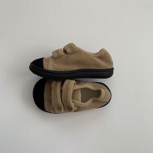 589. velcro shoes