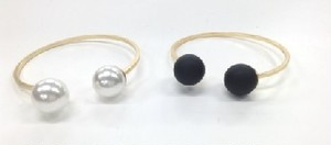 Simple Pearl Bangle(HB7765)