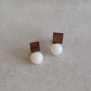 <Pierced Earrings> Drop  Walnut White