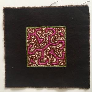 泥染刺繍コースター 17x17cm-3 泥染め刺繍布 アマゾン・シピボ族の泥染め SHIPIBO