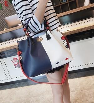 【accessories】Hit color fashion design handbag