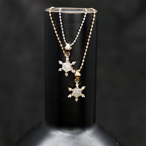 Snow crystal pendant K18