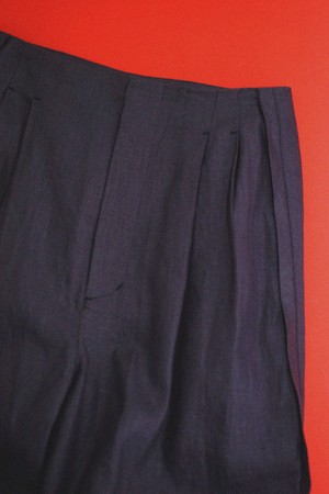 pelleq - C finished linen w tuck trousers