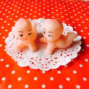 小さなソフビのハイハイ赤ちゃん人形