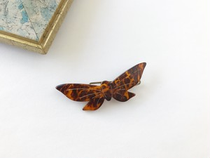 Vintage papillon hair clip