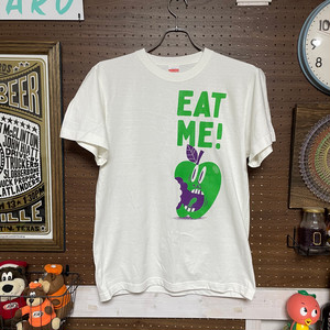 EAT ME / Tシャツ【受注生産】