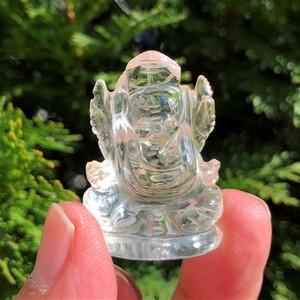 ヒマラヤ水晶を使用したガネーシャ神像 ネパールガネーシュヒマール産 15g bs073