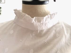 フリルギャザーのスタンドカラーのつけ襟