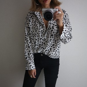leopard shirt /white