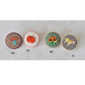 アクセサリー 刺繍ブローチ 【BE】