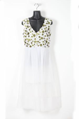 グリーン花×オーガンジーのワンピース