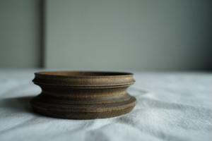 台座 板屋楓 ほうじ茶×鉄染め 直径7.5cm (C22)