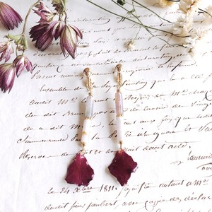 バラとアメジストのイヤリング