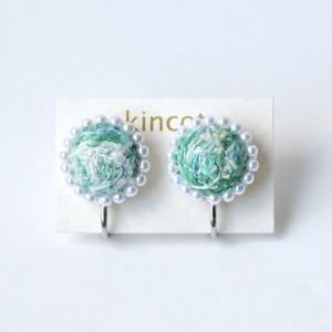 kincot 色糸 小さなまるイヤリング(パール×グリーン)