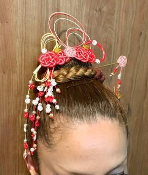 """水引と和紙のかんざし  髪飾りセット 〜花吹雪〜Japanese traditional hairpin """"Kanzashi"""" and comb decorated with """"Mizuhiki"""" (Japanese Decorative string) and """"Origami""""(Japanese paper craft)."""