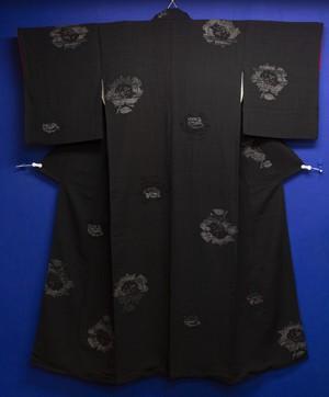 オールブラック薔薇アンティーク紬