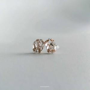 6.6ct rainbow herkimer diamond pierce