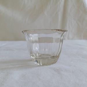 金ふちの小さいガラスカップ