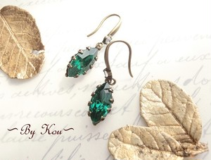 ∽◇classical green◇∽ヴィンテージ・ピアス。