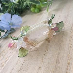 花の精の腕輪〔天然石・ダンビュライト〕