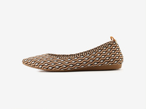 pointed-COLTE / CAMEL & BLACK