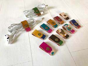 【受注制作】ツートンカラーのイヤフォン・ケーブルコードホルダー|SELECT
