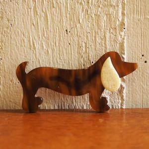 Léa Stein(レア・ステイン)のブローチ 犬