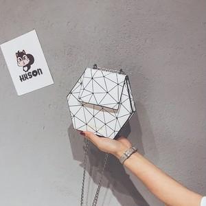 ショルダーバッ❤何か秘められたような六角形の可愛いバッグ! hdfks961426