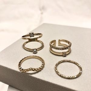 クリスタルデザインリングセット(4個セット) / Lovisa  ring