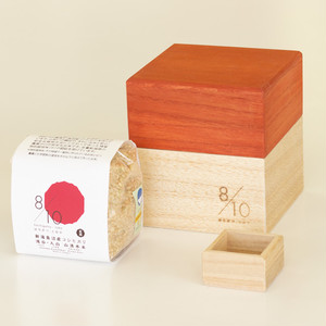 Kamo Kiri Rice Box 500g with Mini Measure Cup and Uonuma Koshihikari Brown Rice|Red