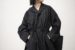 Mame Kurogouchi / Nep Stripe Hooded Anorak ( BLACK )