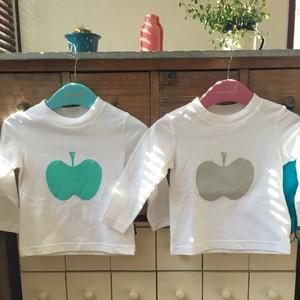 大きなりんごがかわいいキッズ長袖Tシャツ80