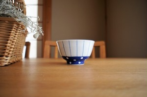 砥部焼/お茶碗/点線と水玉/皐月窯