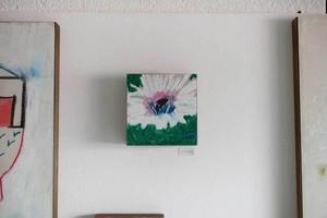 オオヤマネコ作品『花のかけら II』