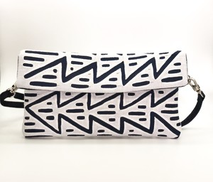 モラ(Mola) Kangaroo bag/Clutch bag