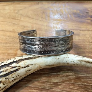 MORGAN DOLLAR W-BANGLE STANDARD   NC-057