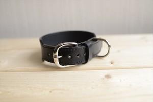 小型犬用の幅広のコードバンの革の首輪
