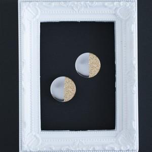 b.大きな鏡◯と金箔の ピアスorイヤリング