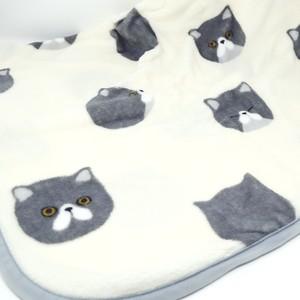 猫ブランケット(ムスッとにゃんこひざ掛け)